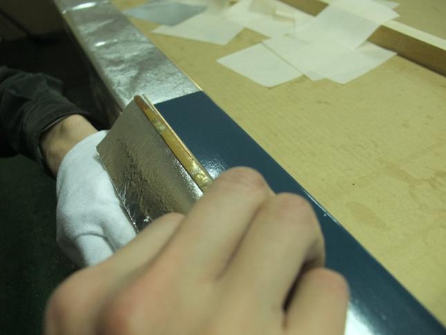 下地カシュー塗布に銀箔手貼り 2